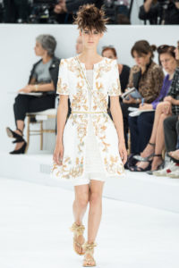 chanel-couture-fall-2014-13_105827924725